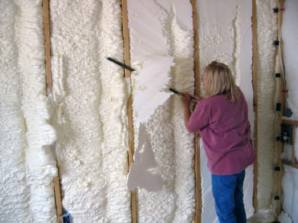 saw How to remove the foam insulation quickly and without problems
