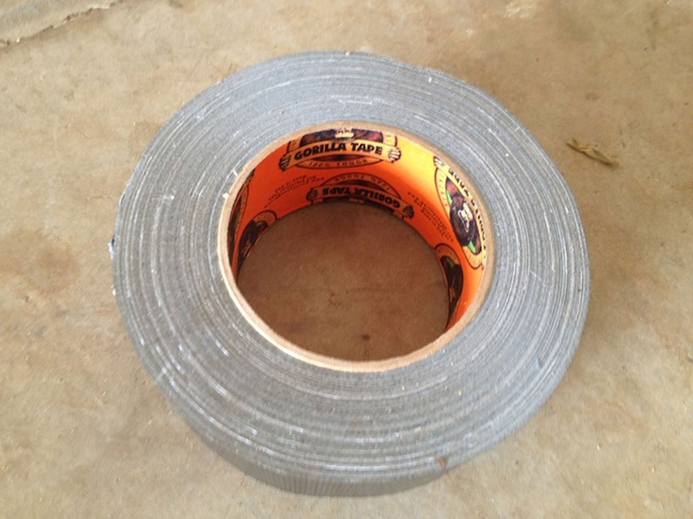 Adhesive tape How to easily remove the fiberglass insulation from the skin
