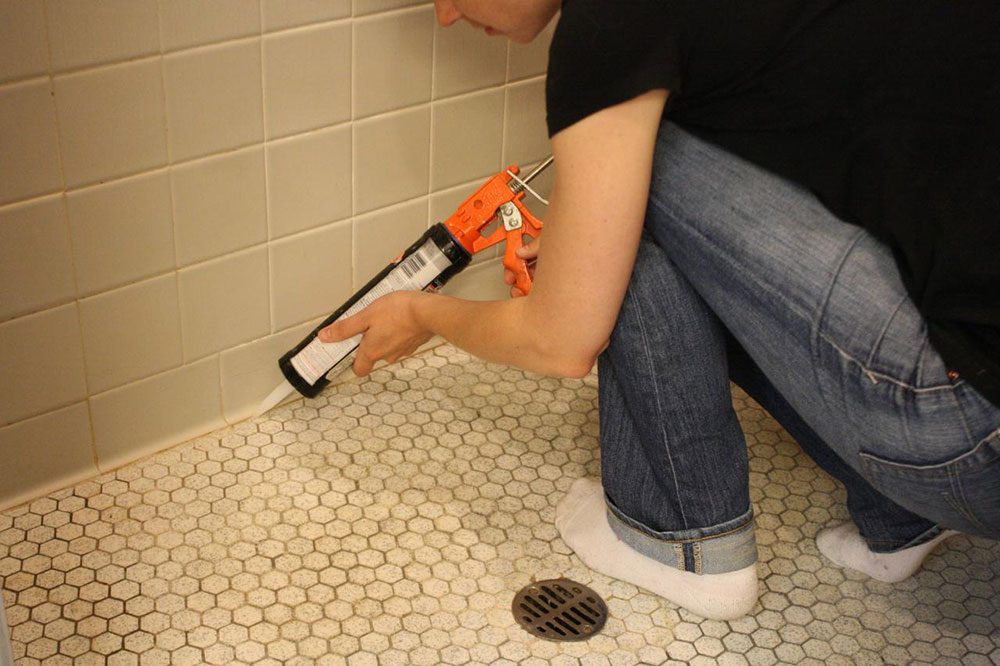 caulk5 Can I seal instead of grout?  A comparison between grout and sealant