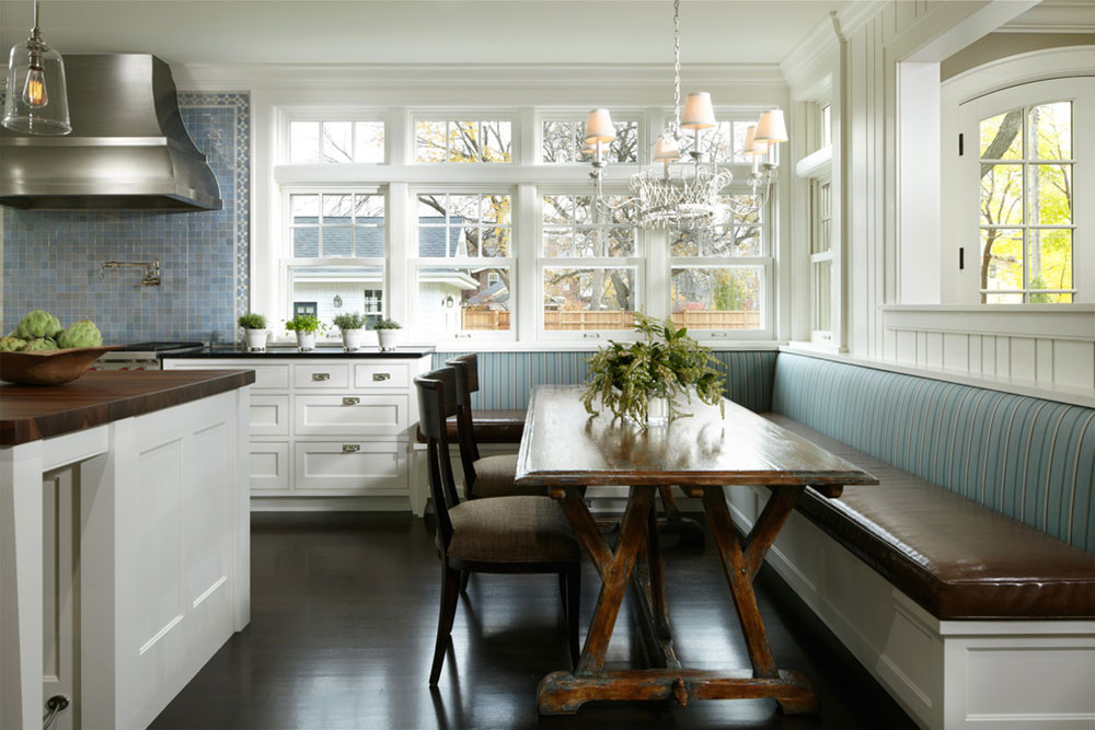 Georgian-Style-by-Streeter-and-Associates-Inc Decoration ideas for a kitchen with breakfast bar