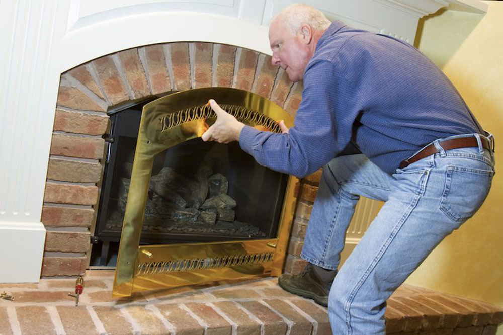 Chimney expert How to clean a gas fireplace properly (good maintenance tips)