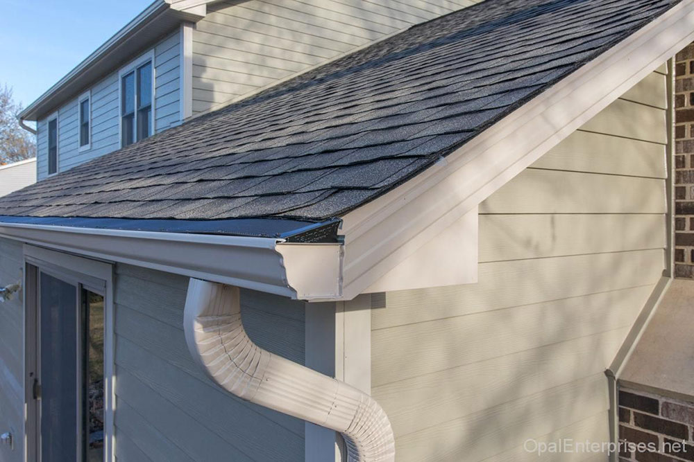 Check the gutters constantly. How long do asphalt shingles last and when should you change them?