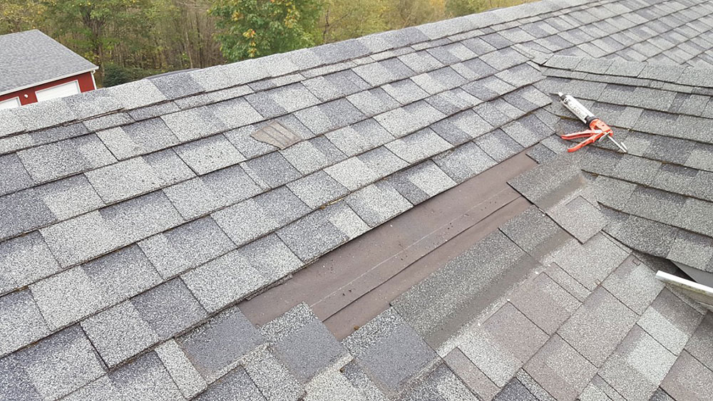 A-large chessboard How long do asphalt shingles last and when should you change them?