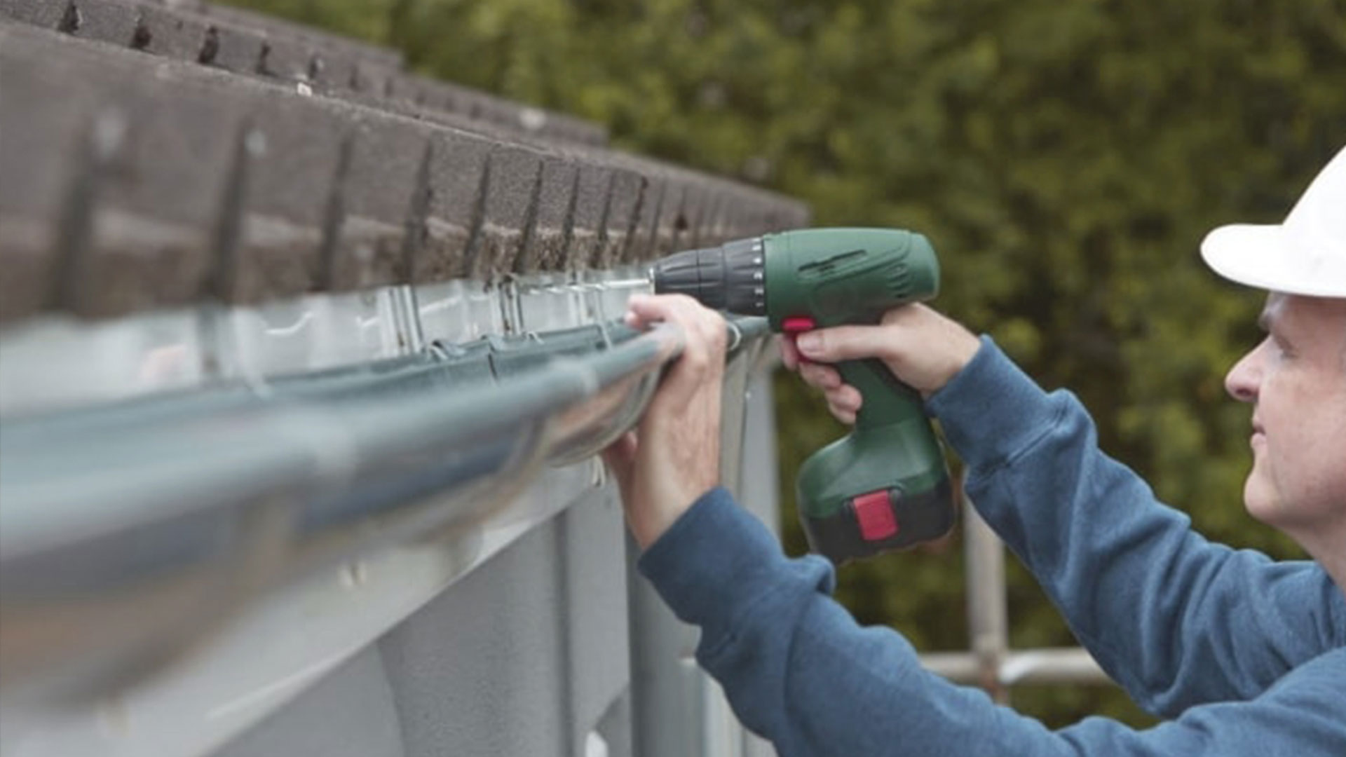 Gutter repair How much do seamless gutters cost?  What you should expect