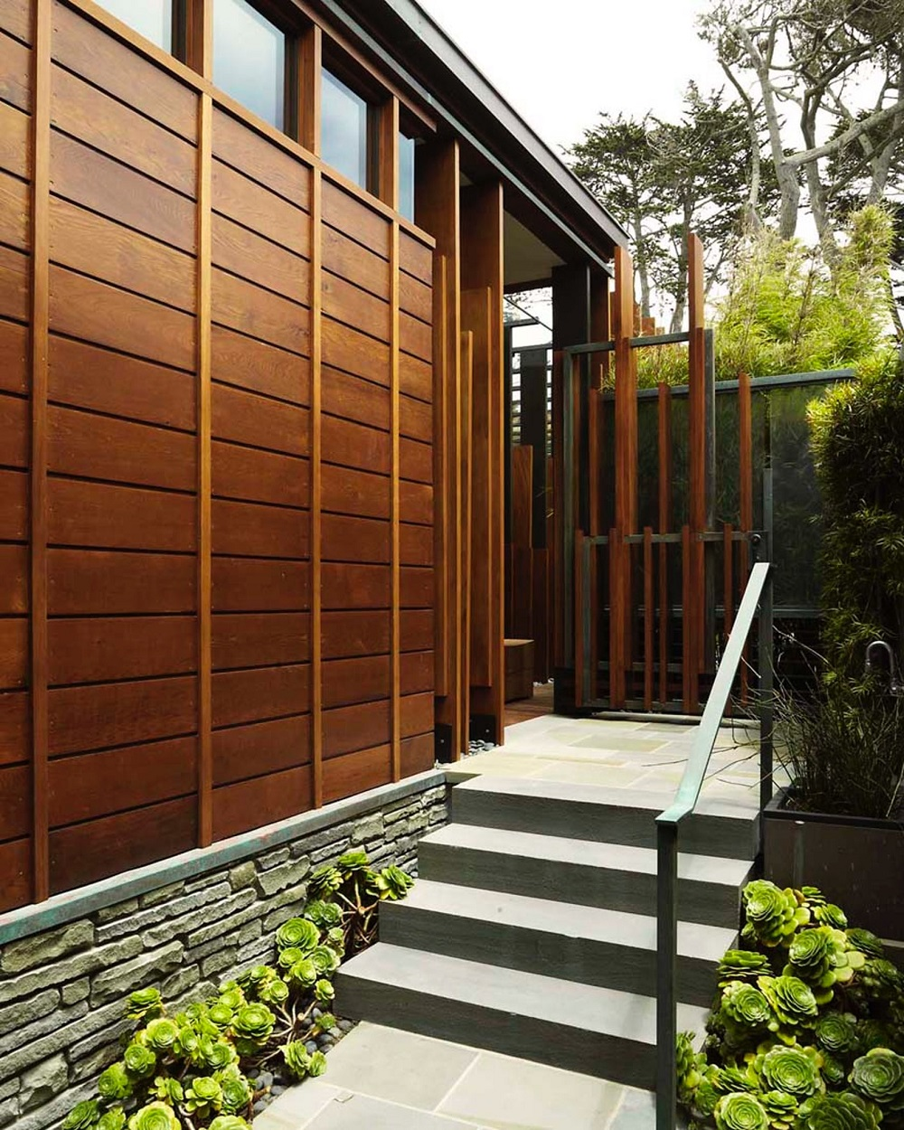 t8-1 types of wood paneling that you can use on the outside of your home