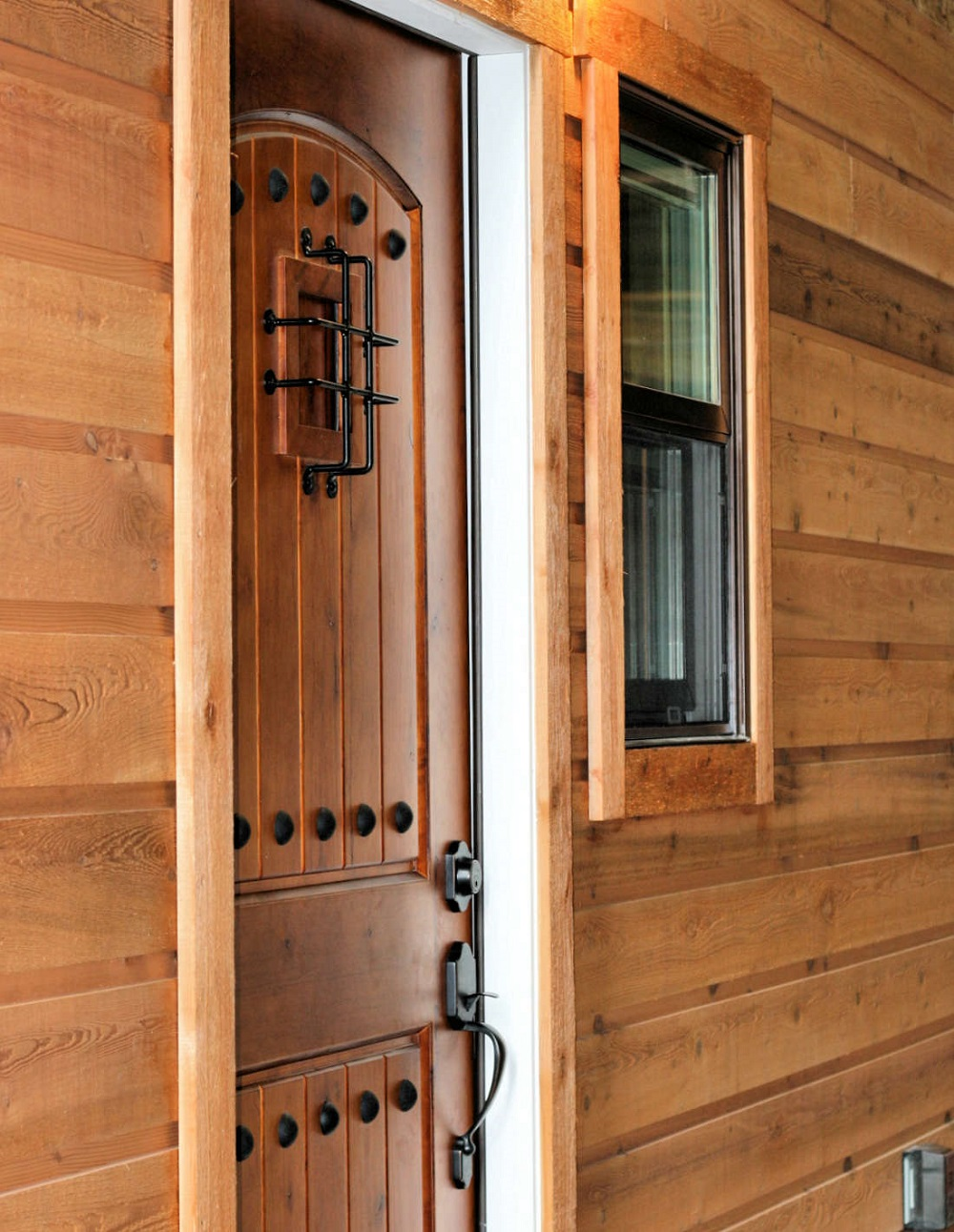 t8-5 types of wood paneling that you can use on the outside of your home
