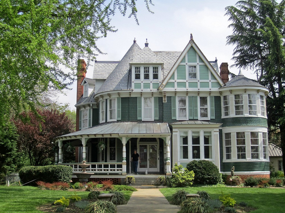 t7-14 What are Victorian houses and what defines their architecture?
