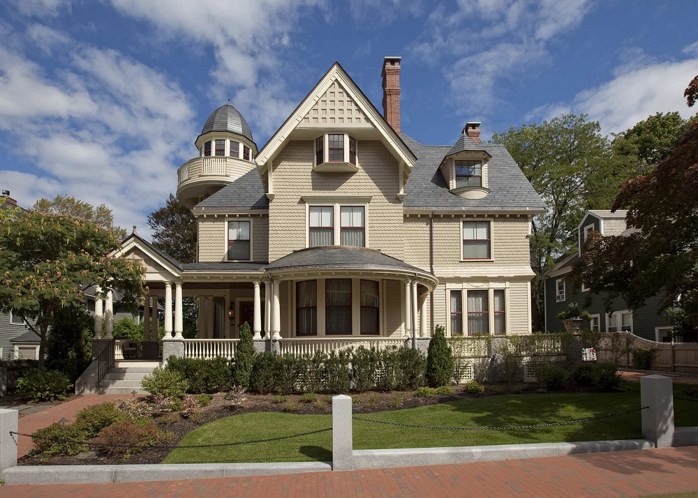 t7-28 What are Victorian houses and what defines their architecture?