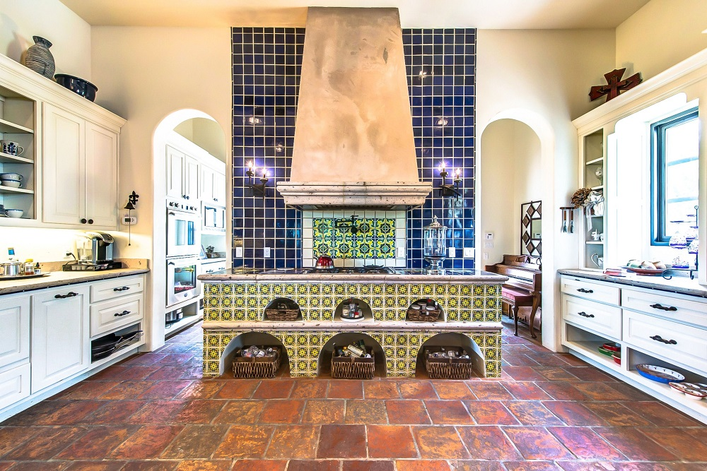 t7-9 Try a Spanish style kitchen.  Here are some amazing decorating ideas