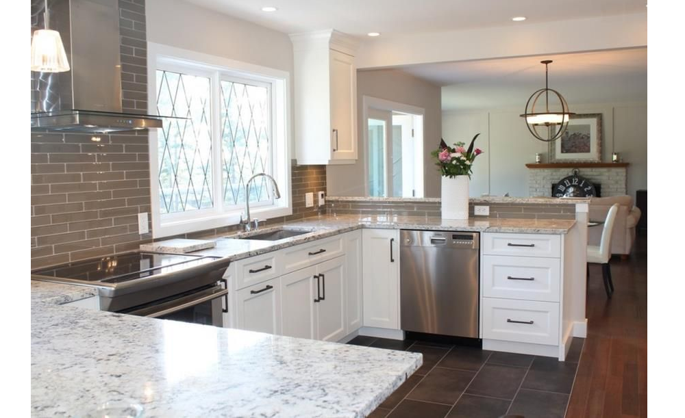 t5-19 White ice granite countertops, inspiration and tips for using them