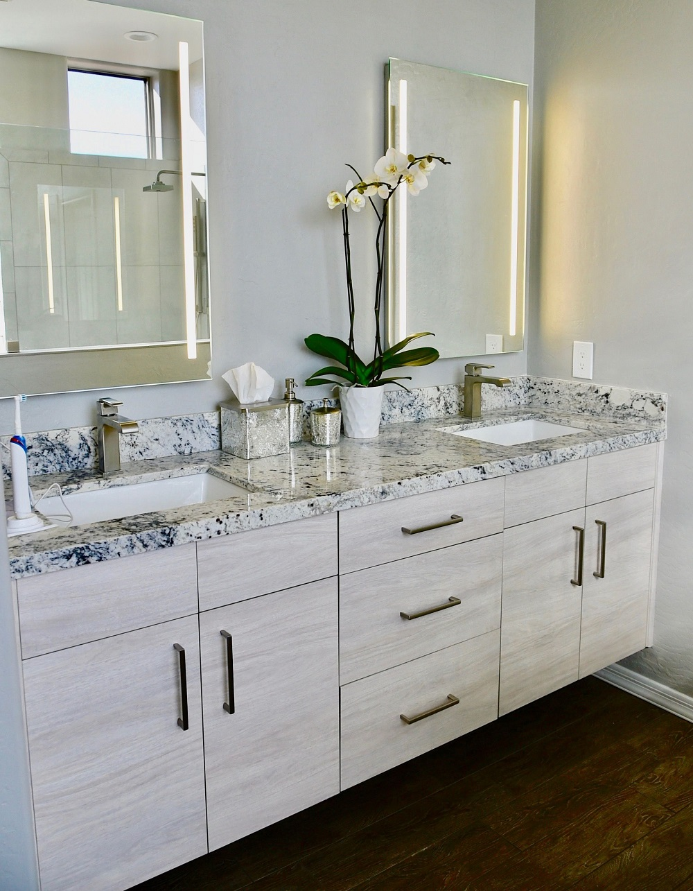 t3-121 White ice granite countertops, inspiration and tips for using them