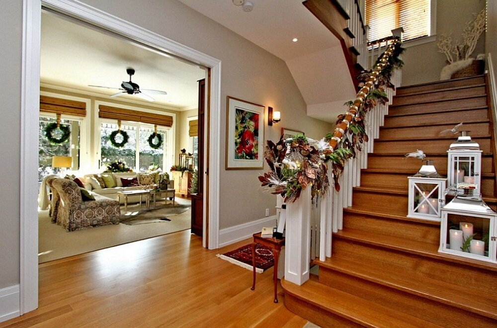 t3-2-2 Great ideas for decorating Christmas stairs that you should definitely try
