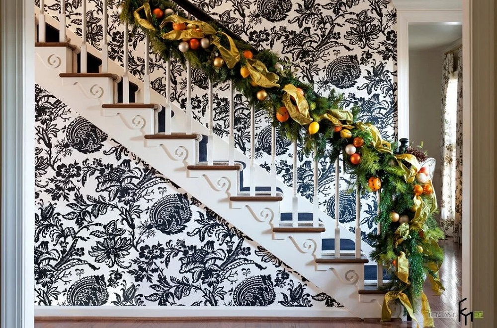 t3-3-1 Great ideas for decorating Christmas stairs that you should definitely try