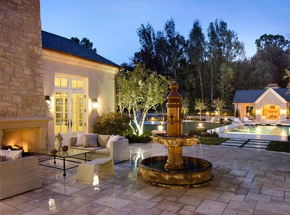 t2-14 Amazing celebrity houses you must see