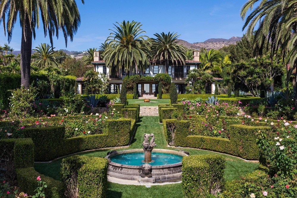 t2 Amazing celebrity houses you must see