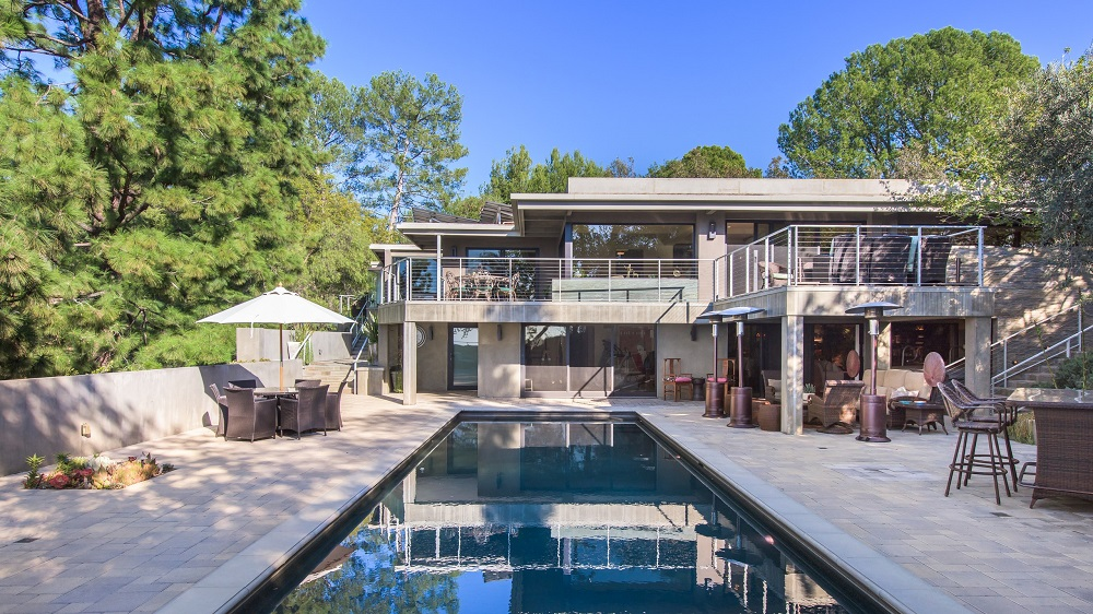 t2-1 Amazing celebrity houses you must see