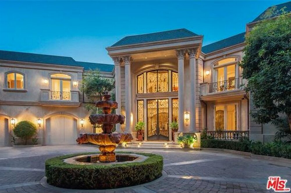 t1-2-1 Amazing celebrity houses you must see