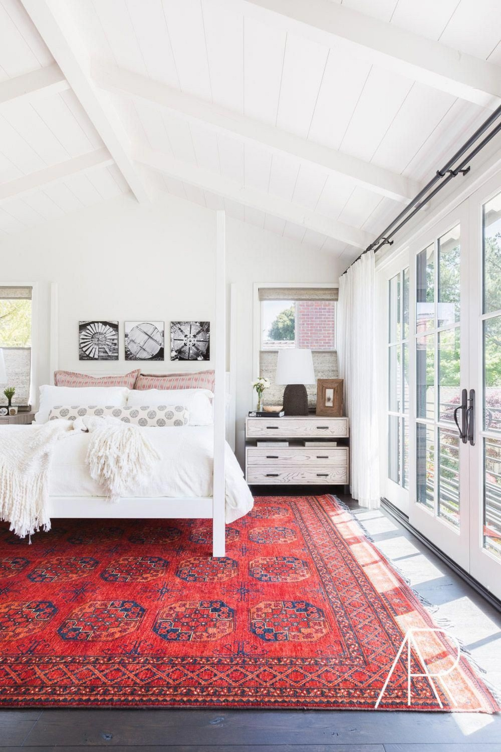 f13-1 How to Create a Feng Shui Bedroom Layout Without Much Effort
