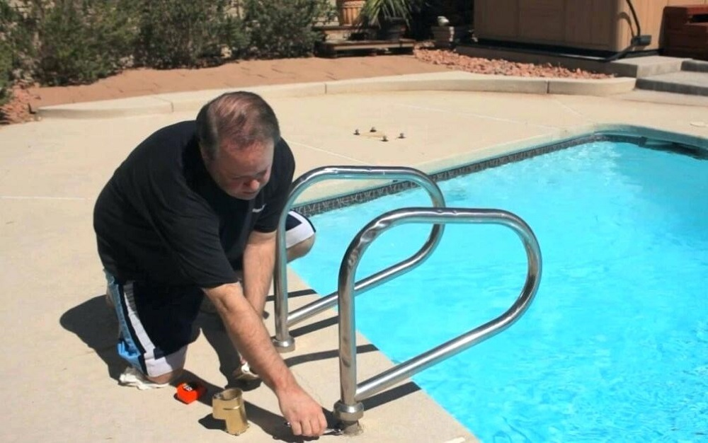 win8 How to Winterize an Aboveground Pool (An Easy To Follow Guide)