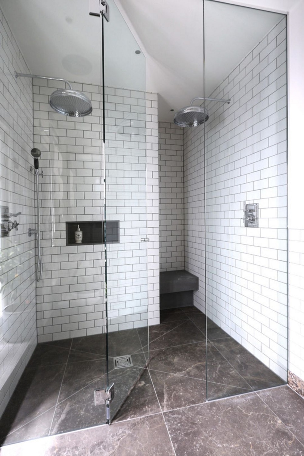 wb19 Awesome looking shower tile ideas and designs to check out
