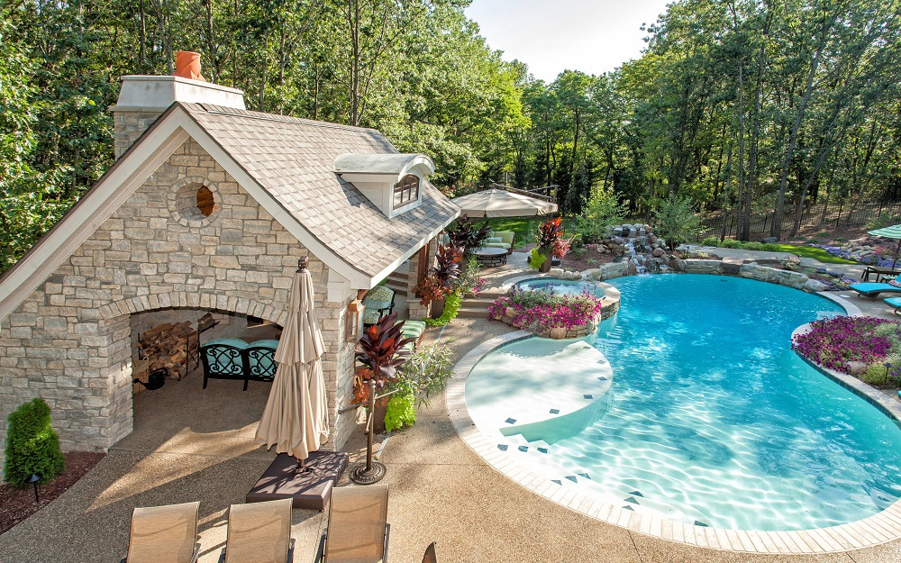 p11 Awesome pool house designs that will make your pool room look great