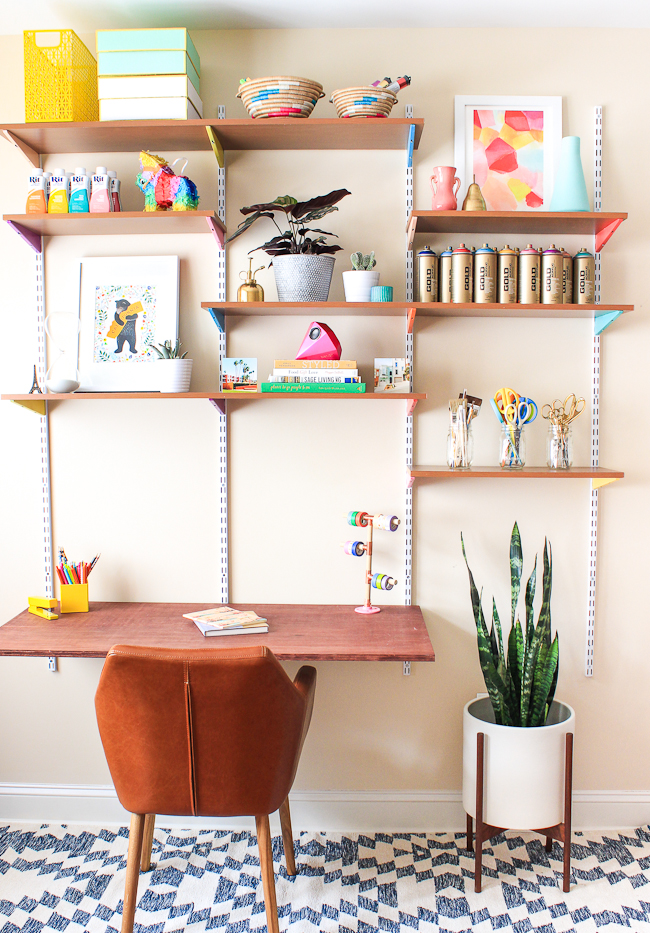 dk15 With these DIY desk ideas you can build your own desk