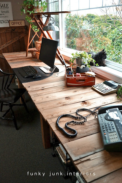 dk17 With these DIY desk ideas you can build your own desk