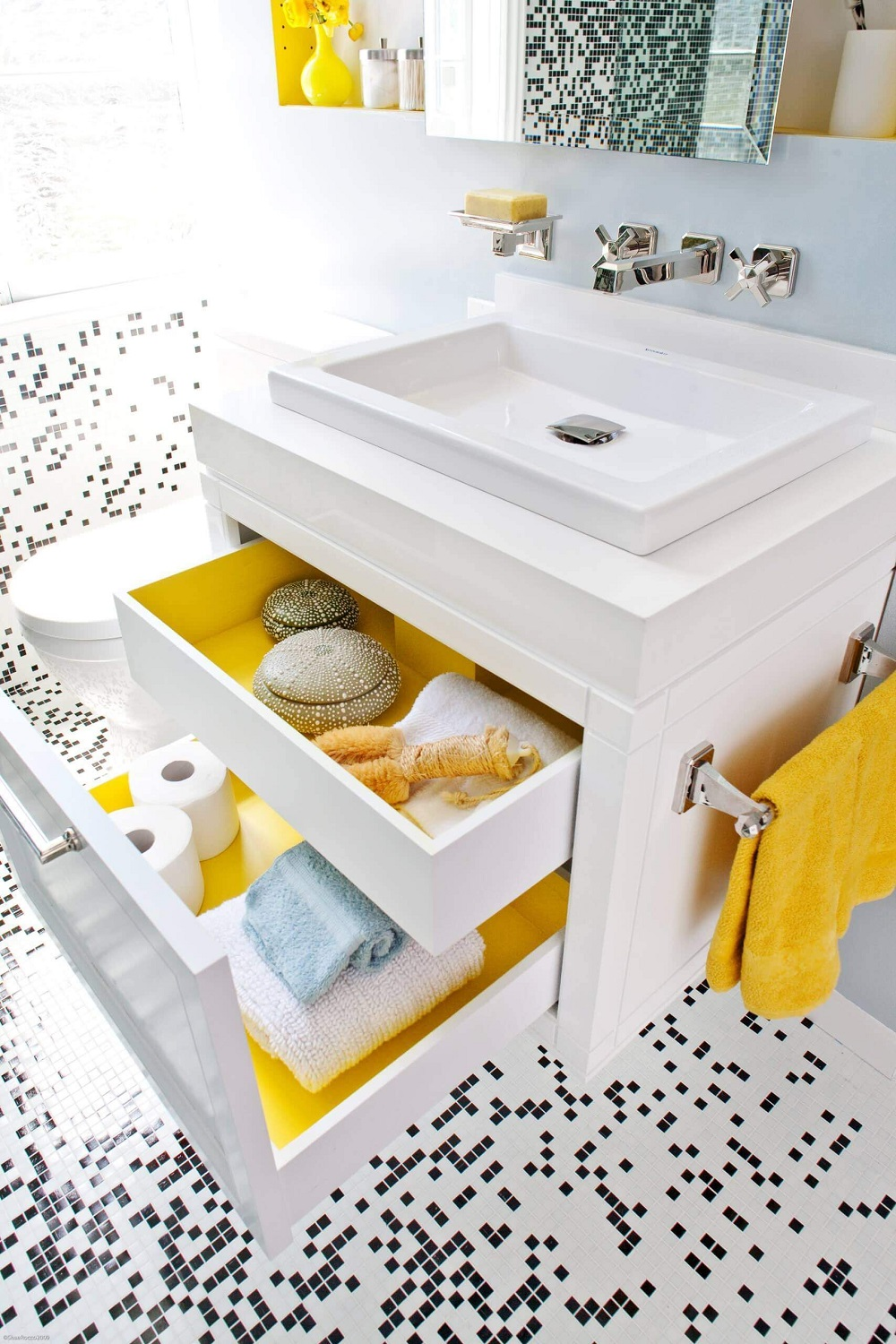 van4-1 Neat corner bathroom vanity ideas that you will find useful