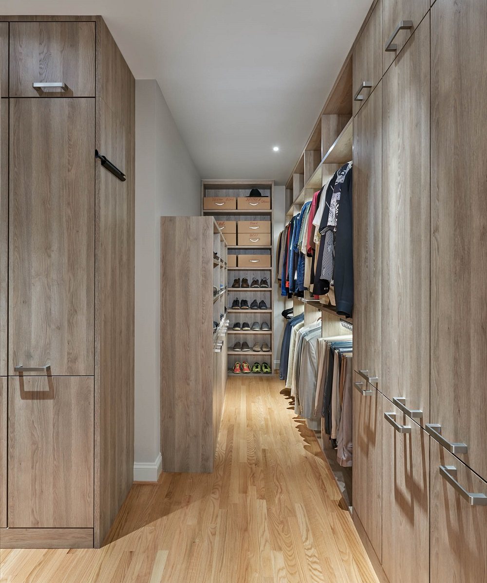 wc9 Cool ideas for walk-in closets that you should have in your home
