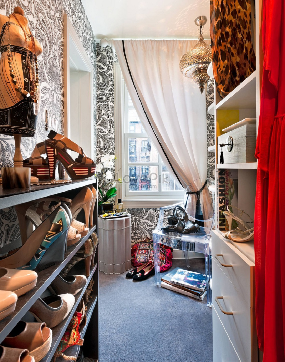 wc17 Cool ideas for walk-in closets that you should have in your home