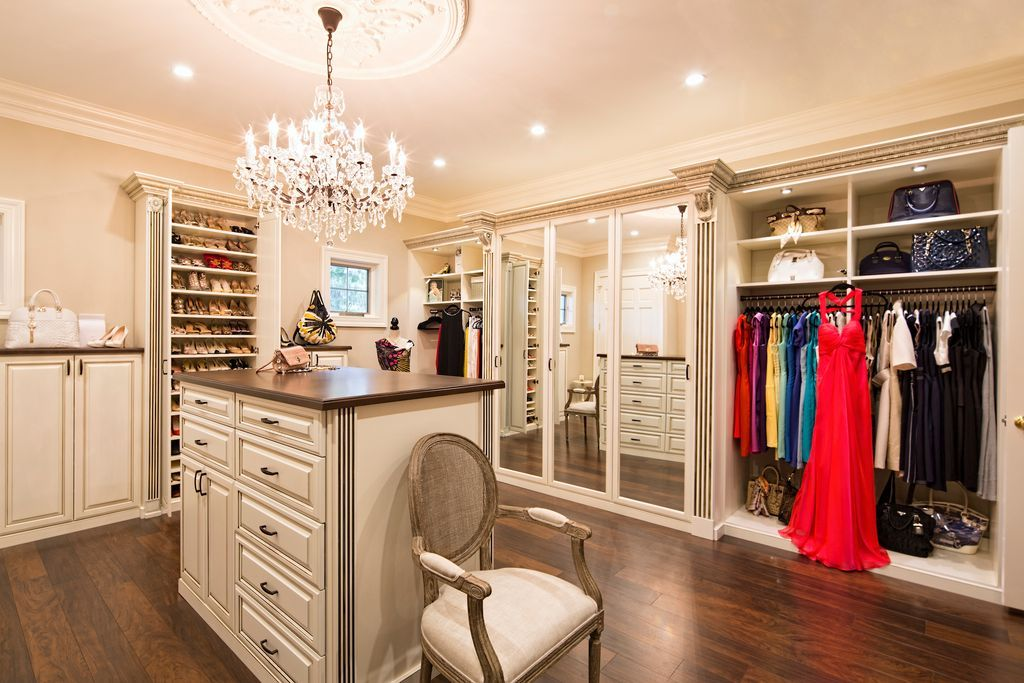 wc15 Cool ideas for walk-in closets that you should have in your home