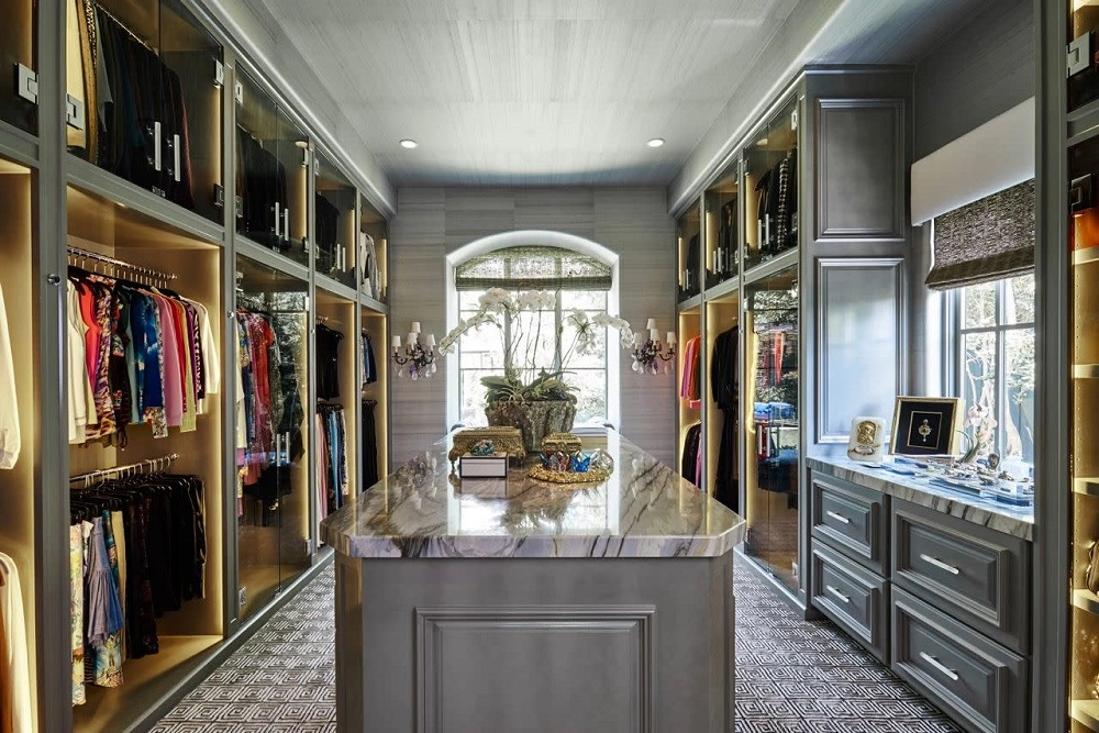 wc8 Cool ideas for walk-in closets that you should have in your home