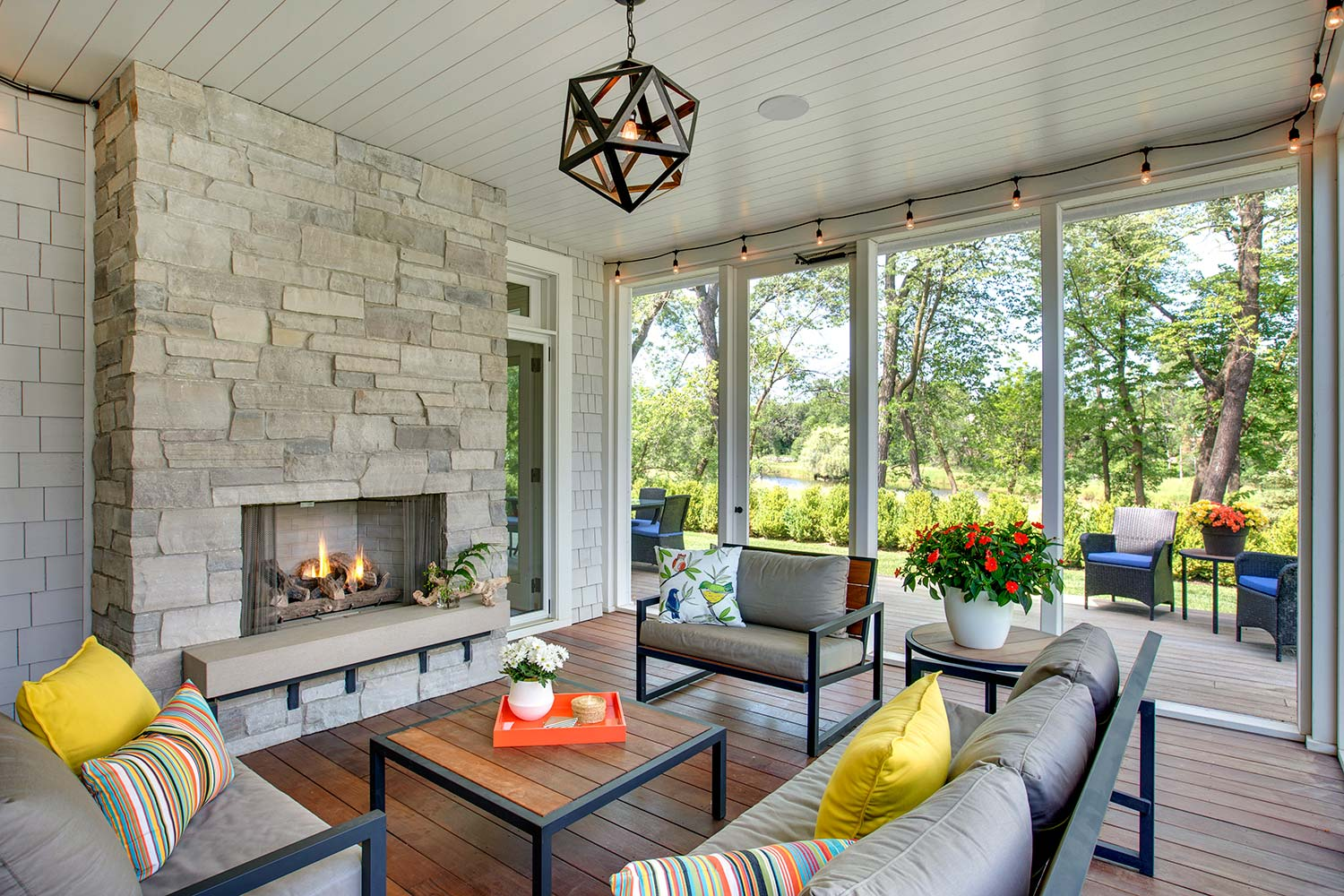 sp13 Great ideas for screened porches that can inspire you