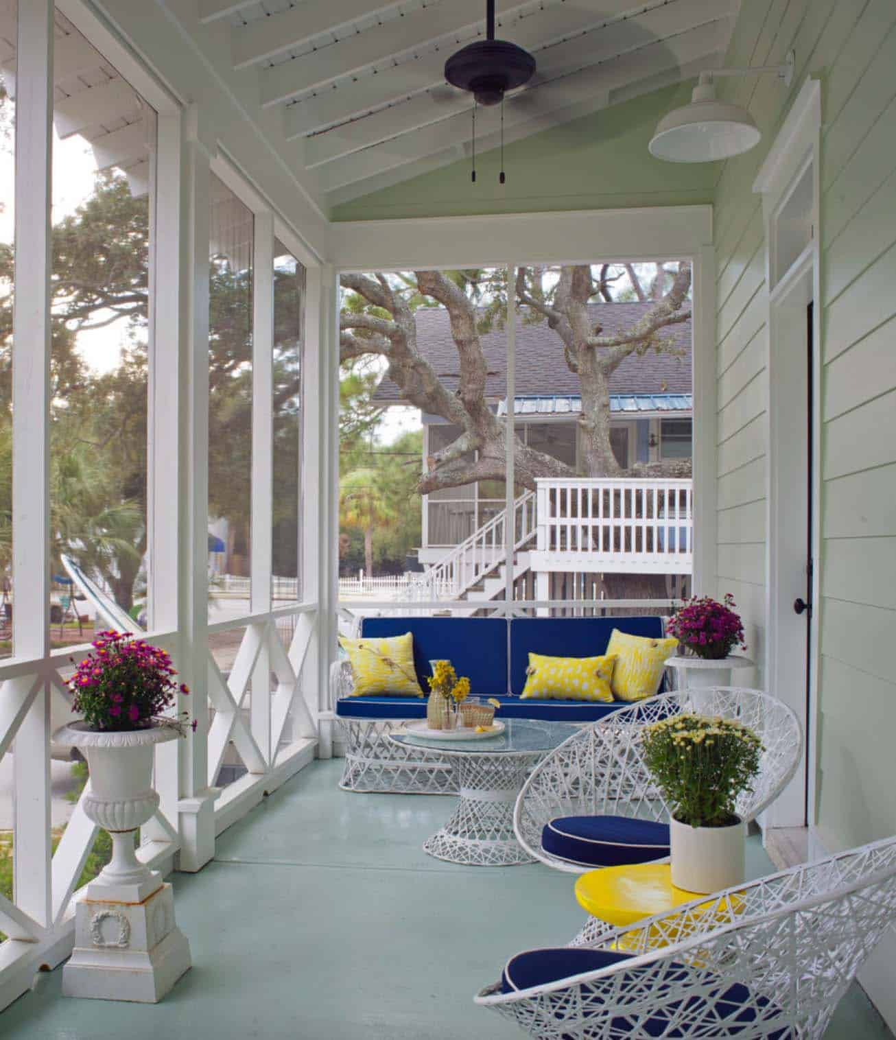 sp12 Great ideas for screened porches that can inspire you