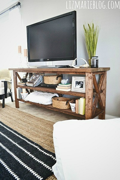 tv7 DIY TV stand ideas and examples that you can put up in your home