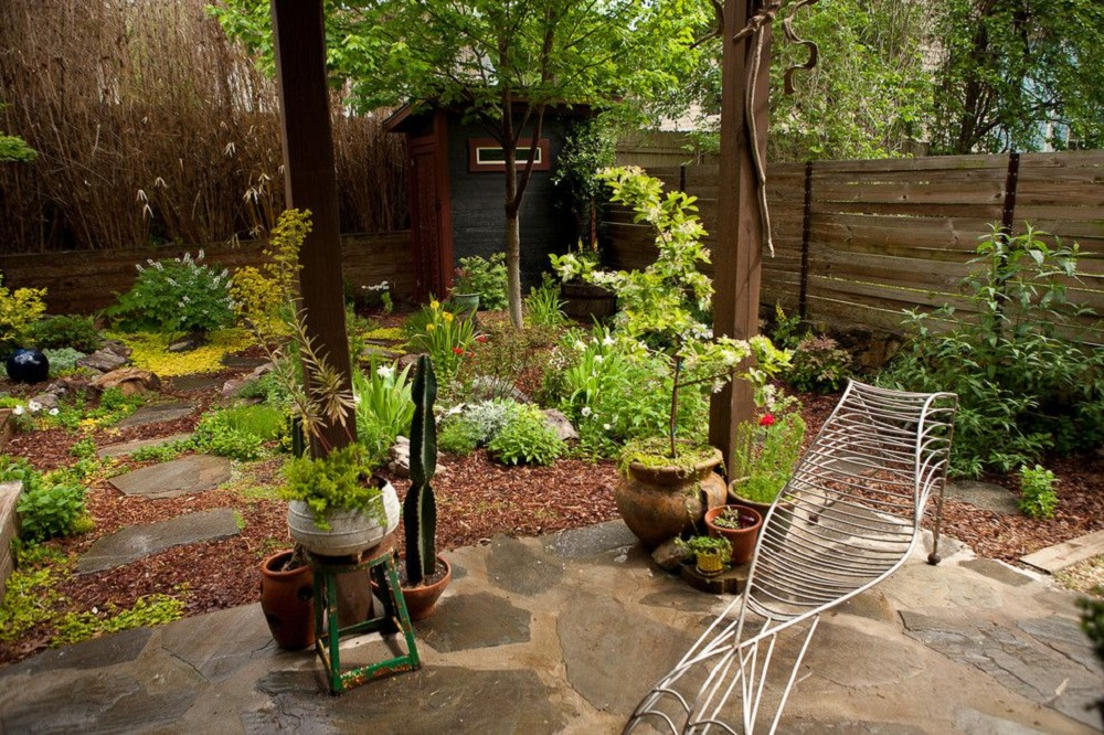 g8 garden fence ideas that are practical and also look good