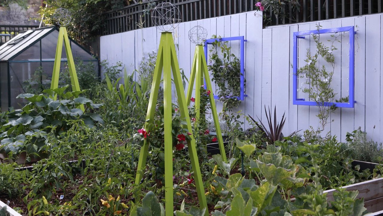 slide-image-2-1 Ideas for garden trellis that are inexpensive and look great