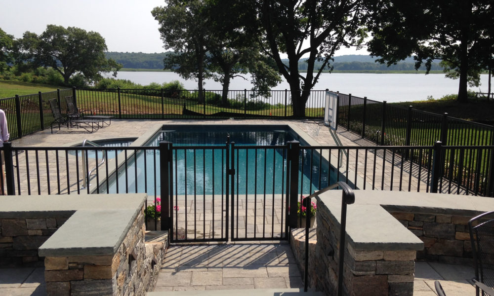 9-1000x600 ideas for pool fences to make the pool look fantastic