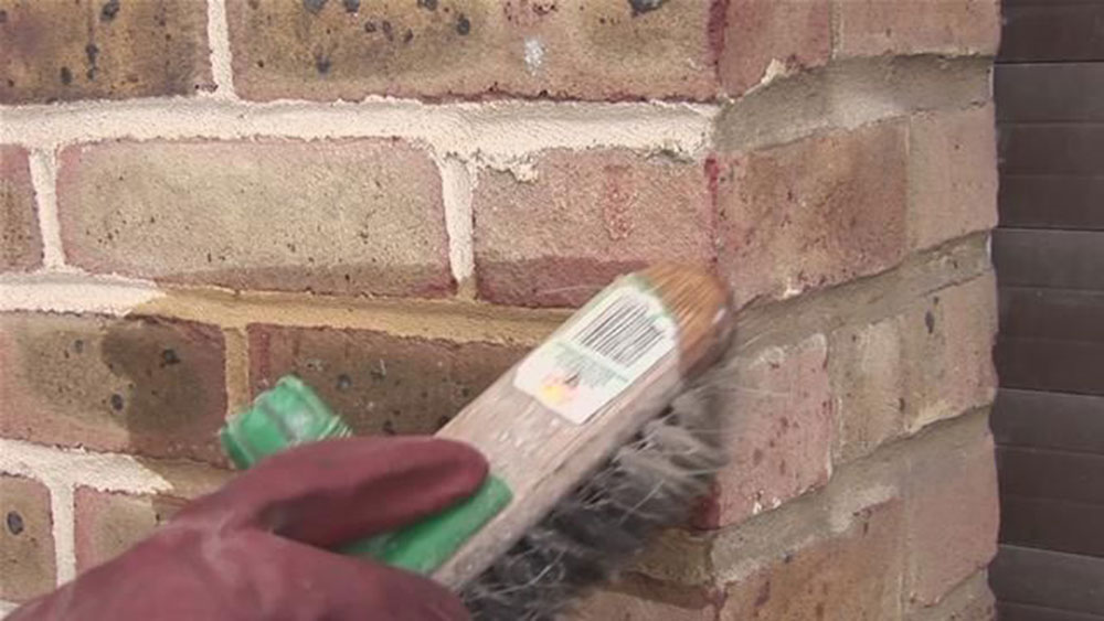Removing paint How to remove paint from bricks (A useful guide)