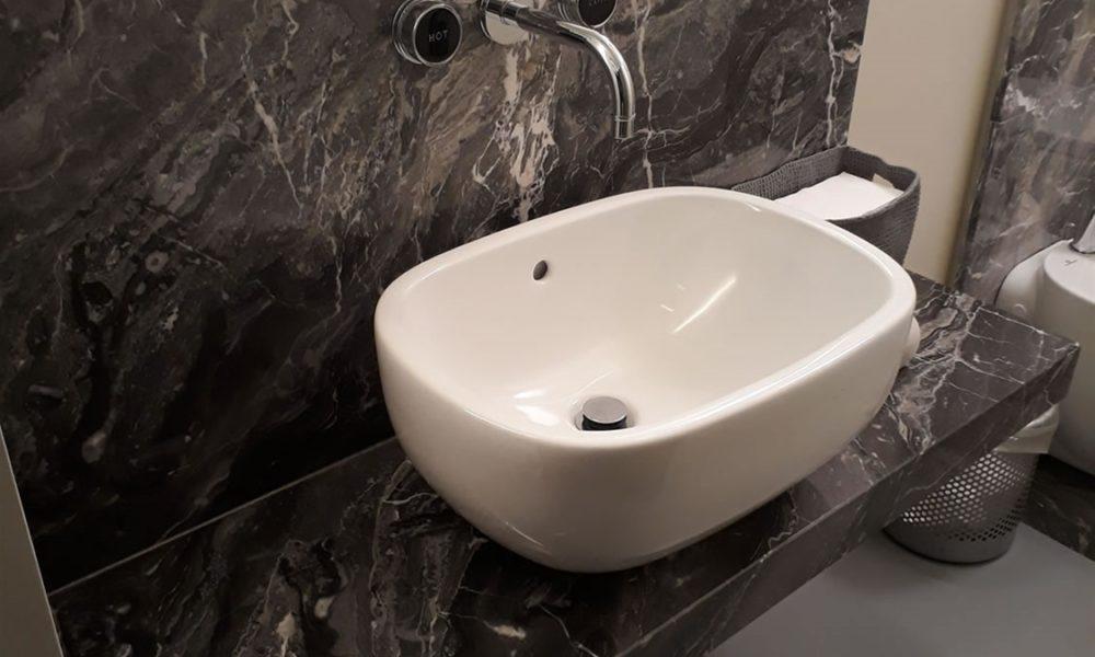 marmi-pietre-graniti-MARMO-GRIGIO-OROBITO-MILAN-VIA-MONTENAPOLEONE-1000x600 Ideas for industrial bathrooms that look really modern and inspiring