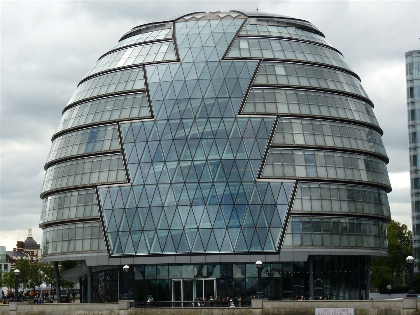 Norman-Foster Modern architects you should know and their great work
