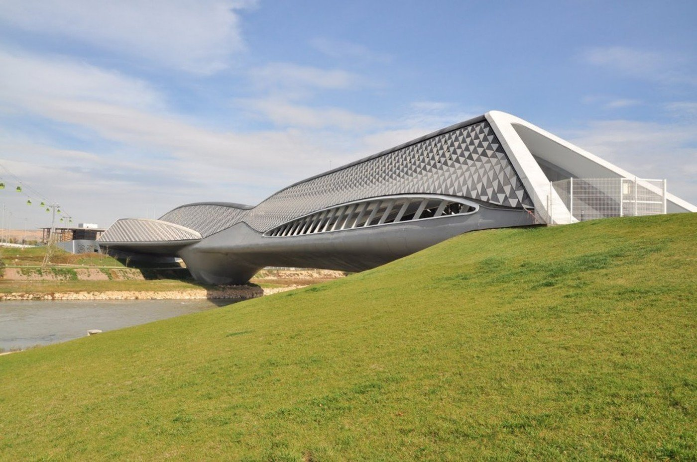 Bridge-Pavilion-in-Zaragoza Modern architects you should know and their great work