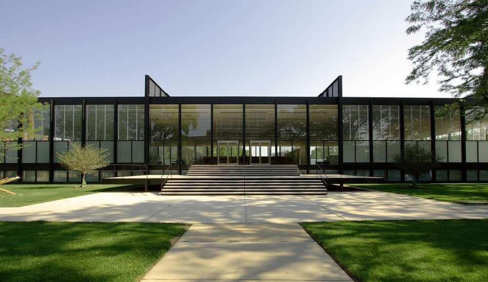 Crown-Hall-Illinois-Institute-of-Technology-Chicago Modern Architects You Should Know and Their Great Work