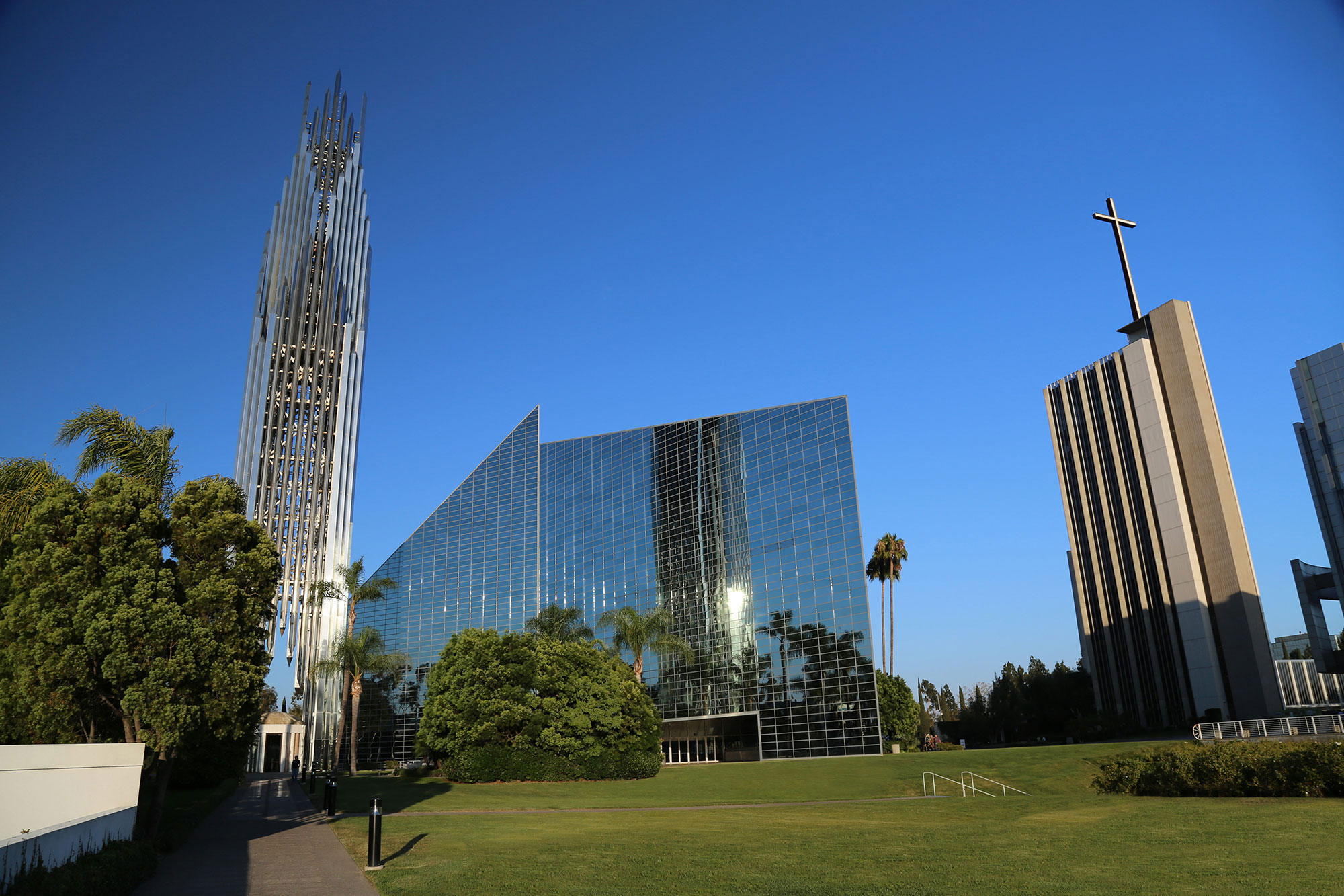 The-Crystal-Cathedral-in-California Modern architects you should know and their great work