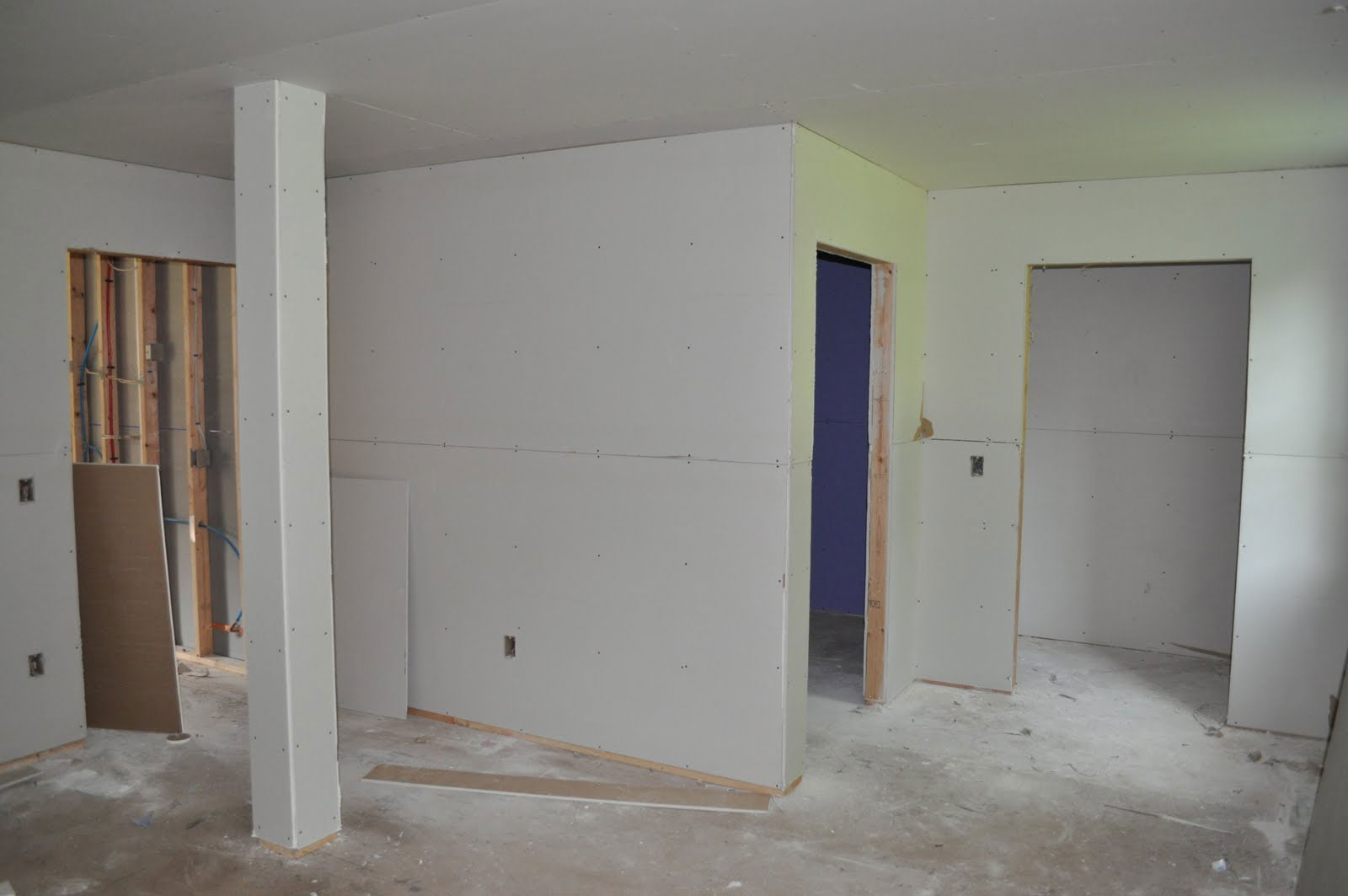 Drywall22 How thick is drywall?  Instructions for drywall size (length and height included)