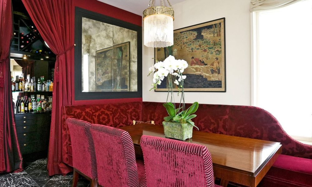 velvet-1000x600 ideas for living room curtains to enhance your room decoration