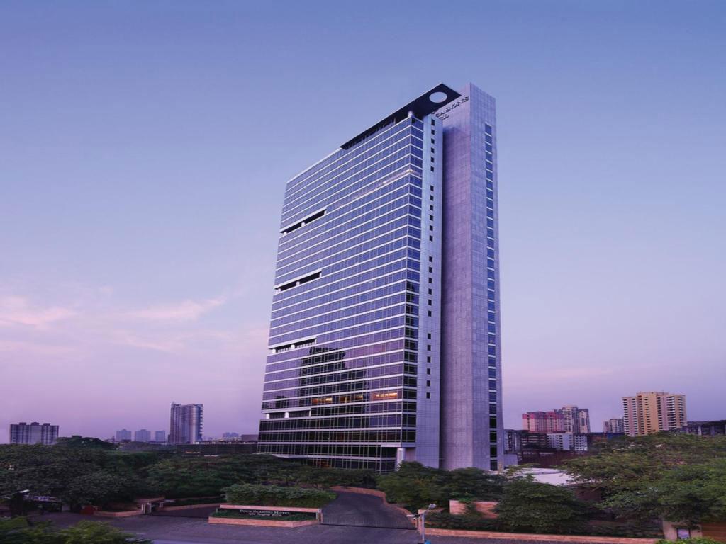 Four Seasons Hotel Mumbai Take a closer look at Mumbai's skyscrapers