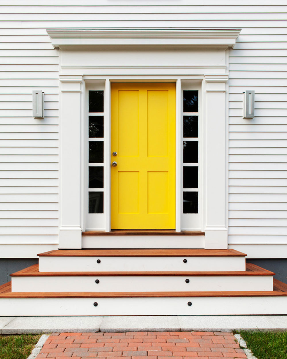 Basic-Yellow-Door Yellow front door Ideas for a lively house entrance