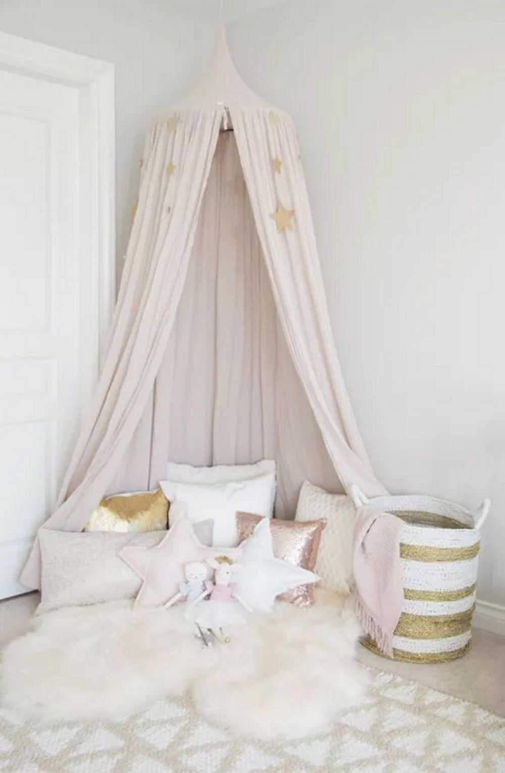 Comfortable Reading Cute room ideas your daughter will love