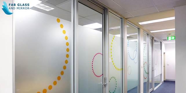 image006 Brilliant home interior design ideas with various custom glass elements